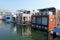 Image of house-boat-3