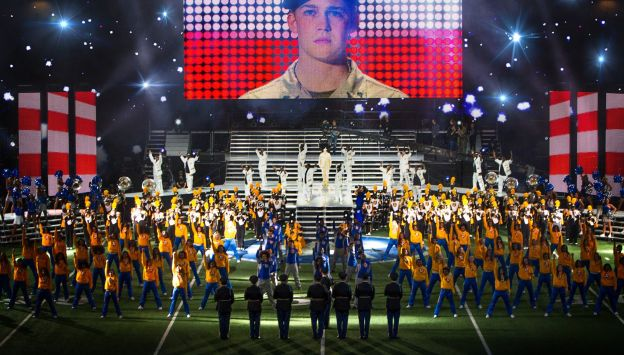 "Movie poster image for ""BILLY LYNN'S LONG HALFTIME WALK"""
