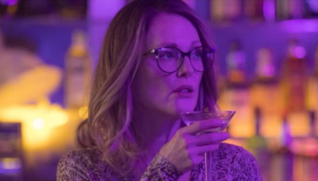 "Movie poster image for ""GLORIA BELL"""