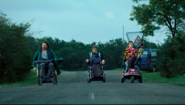 """Movie poster image for """"KILLS ON WHEELS"""""""