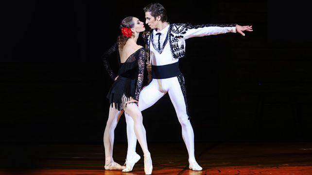 BOLSHOI BALLET: CARMEL SUITE / PETRUSHKA