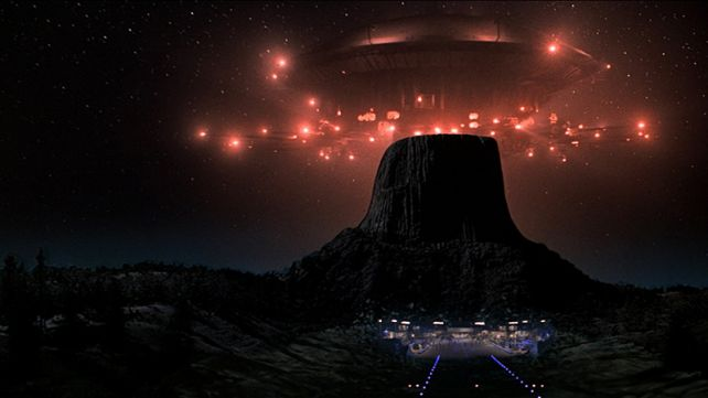 CLOSE ENCOUNTERS OF THE THIRD KIND in 35MM